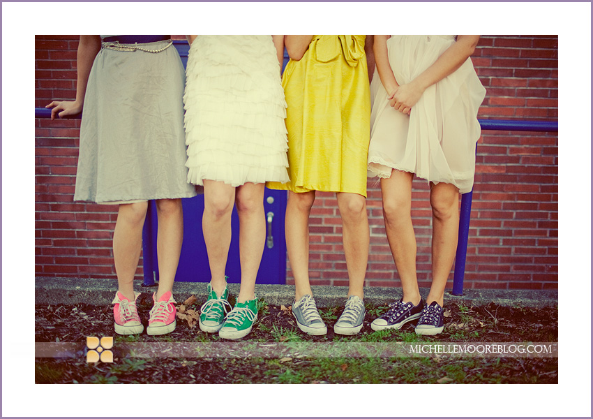 На выпускной в платье и кроссовках